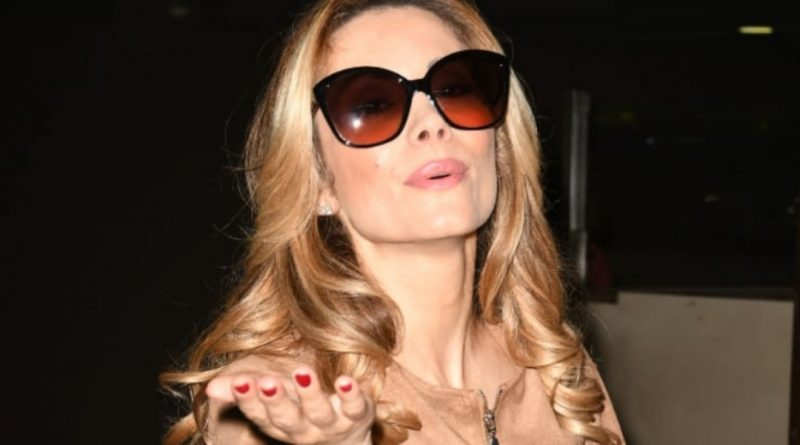 Hollywood Italian Actress Antonella Salvucci spotted at the International airport.
