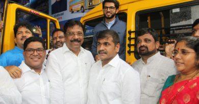 Shri Aditya Thackeray, Sachin and Sangeeta Ahir inaugurate School Bus Service for Girl Child in Worli