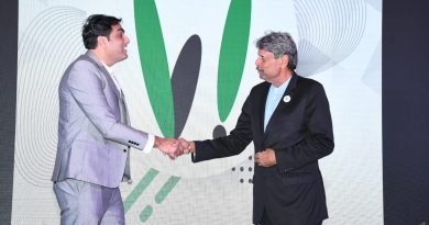Official launch of -VAOO, an all in one application which offers cab services & is the future of advertisement, brainchild of Abhineet Pathak, MD of VAOO & Ace Cricketer Kapil Dev